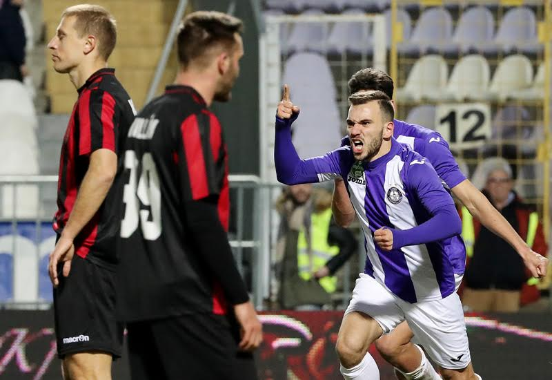 Viktor Angelov celebrating his late equalizer; photo: Újpest FC